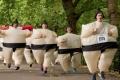 بالصور: سباق السومو الخيري لجمع التبرعات في لندن