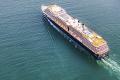 """سفينة أمريكية """"تهيم"""" في البحار بعد تفشي كورونا على متنها"""
