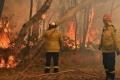 الحرائق المستعرة تجبر أستراليا على إعلان الطوارئ