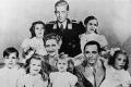 لماذا قتلت سيدة ألمانيا الأولى أطفالها بالسم وانتحرت؟