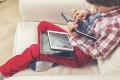 كيف تنتزع ابنك من أمام شاشات الأجهزة الإلكترونية بهدوء؟