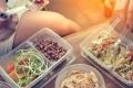 فرنسا تجبر المطاعم تزويد روادها ببقايا طعامهم