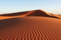 """جُزر اختفت ودول تعاني.. هل ينضب الرمل وما قصة """"المافيا"""" معه"""
