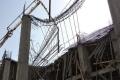 عاجل: بالصور.. 8 اصابات في انهيار سقف بناية قيد الانشاء بنابلس