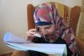 بالصور.. فتاة فلسطينية كفيفة تحصل على معدل 95,3 بالمئة بـ'الثانوية العامة'