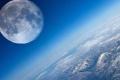 علماء يحددون موعد اصطدام القمر بالأرض!