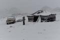 بالصور: بعد إنحسار المنخفض في فلسطين... الثلوج تكسو جبال اللوز والحرارة المحسوسة 15 تحت الصفر