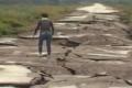 """بالفيديو: """"أنا الطريق الأسوأ في العالم"""".. تأكد بنفسك!!"""