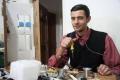 بالصور... شاب فلسطيني يخترع 'فوطة أطفال تعمل بالمجس'