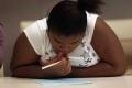 """دراسة تحذر من وصف المراهقات بـ""""السمنة"""""""