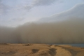 عاصفة رملية بمساحة تزيد عن 2.5 مليون كيلومتر مربع تضرب الجزيرة العربية والعراق وجنوب فلسطين ...