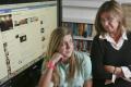 دراسة: نصف حسابات أولياء الأمور على فيسبوك لمراقبة الأبناء