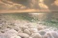 فوائد أملاح البحر الميت للبشرة