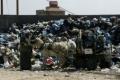 """""""القمامة"""" تقتل الحياة في غزة"""