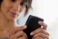 دراسة: النساء يتحدثن بمعدل 24 كلمة في الدقيقة خلال المكالمة الواحدة