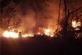 بعد 5 ساعات: اطفائية بلدية الخليل تخمد نيران أحراش بيت كاحل