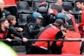 بالصور والفيديو.. مقتل مشجّع على يد طفل خلال مباراة في الدوري الأرجنتيني