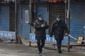 الفيروس المميت يرعب الصين.. الحجر على 25 مليون شخص والوفيات في ارتفاع