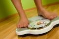 لماذا يزيد وزننا في رمضان رغم الصيام ؟