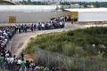 رعب في الشارع الفلسطيني من استمرار تدفق العمال الى الموت باقدامهم داخل إسرائيل