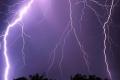 ضربة مزدوجة ولله الحمد ... امطار وعواصف رعدية على كافة المناطق هذه الليلة.ومنخفض شامل يتلوها