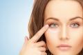 طرق سهلة لحماية العين من التجاعيد!