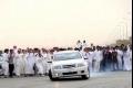 بالفيديو... مفحط سعودي بسرعة جنونية ينتهي قدره تحت شاحنة كبيرة