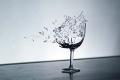 هل حقاً يمكن للصراخ أن يكسر الزجاج؟