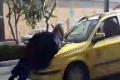 فيديو.. سائق إيراني يعذب زوجته بطريقة غير مسبوقة