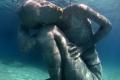 أطلس المحيط: أكبر تمثال غارق في العالم … للفتاة التي تحمل المحيط على كتفيها!