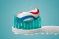 معجون الأسنان يحارب كورونا.. والكشف عن مضاعفات خطيرة للمرض