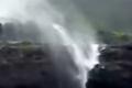 بالفيديو.. حين تصعد المياه إلى أعلى
