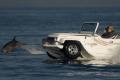 بدء تصنيع أول سيارة برمائية في العالم قريباً
