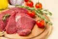 الحشرة التي قد تودي بحياتك عند تناول اللحوم الحمراء