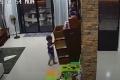 """فيديو """"مخيف"""" يدق ناقوس الخطر في كل منزل"""