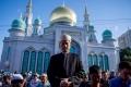كيف يصوم المسلمون في بلدان لا تغرب فيها الشمس؟