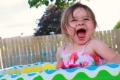هذه الطفلة الصغيرة لا تنام سوى 90 دقيقة في اليوم! حالتها تصيب 1 من كل ...