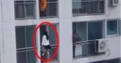 شاهد.. إنقاذ بارع لفتاة حاولت الانتحار من شرفة مبنى