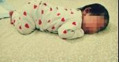 هذا تحذير لجميع الأمهات... نامت أثناء إرضاع طفلها فمات