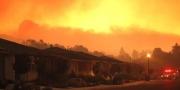 """الحرائق تستعر بشدة بكاليفورنيا وتتحول لـ""""وحش خارج عن السيطرة ..."""