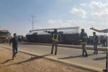 مصرع وإصابة العشرات في حادث سير مروع بالأردن