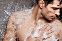 صباحاً أم مساءً.. ما أنسب وقت للاستحمام بحسب العلم؟