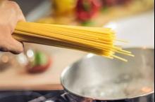 دراسة إيطالية: المعكرونة بريئة من التسبب في السمنة