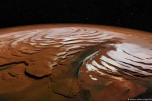 ثلوج ومياه على سطح الكوكب الأحمر