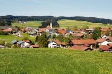 قرية ألمانية نهضت بنفسها.. ينتج سكانها الكهرباء والماء والغذاء ولها ...