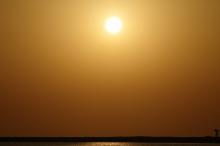 هنا الإمارات.. الحرارة تتجاوز 51 درجة مئوية!