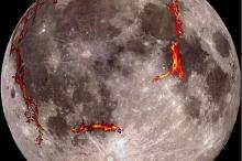 """أدلة جديدة تنسف """"نظرية القمر"""".. وتذهل العلماء"""