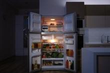 10 مخاطر لتناول الطعام في وقت متأخر من الليل.. تعرّف ...
