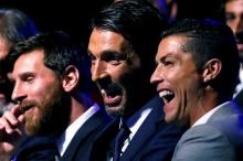 رونالدو يهاتف ميسي.. أنا أفضل لاعب في العالم!