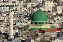 سطو مسلح على أحد أكبر معارض الأثاث في نابلس في ...